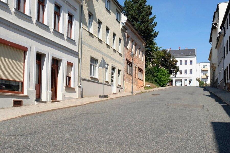 Bergab rechts wird künftig einseitiges Parken auf der Elisabethstraße in Reichenbach erlaubt. Zumindest für eine gewisse Zeit.