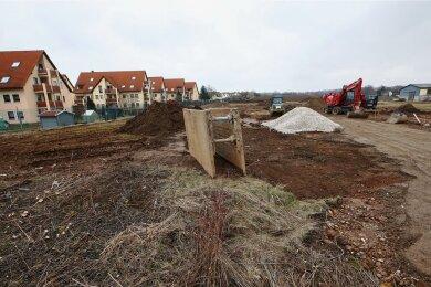 Die Bauarbeiten für die neue Wohngebietsstraße in Niederlungwitz haben begonnen.