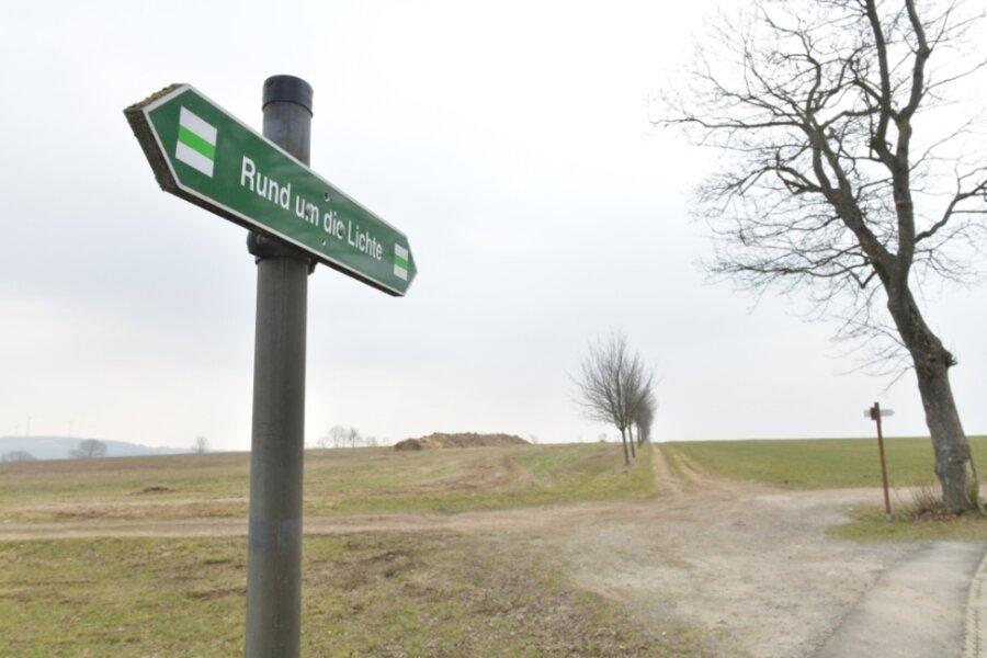 Mit dem Rad von Großhartmannsdorf nach Mittelsaida: Die Verbindung über die Lichte ist eine Alternative zur B 101. Noch ist der Feldweg eher eine Mountainbikestrecke.