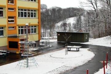 Teile des Hofs der Grundschule werden in einem zweiten Bauabschnitt erneuert.