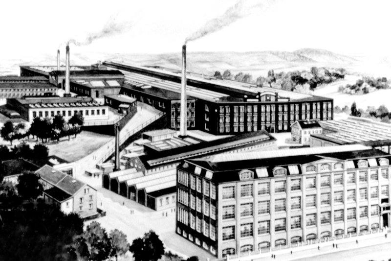 Eine Ansicht der Groma von 1939, als in der Maschinenfabrik für die Rüstungsindustrie gearbeitet wurde. Bis zur Enteignung 1945 waren im Werk bis zu 1500 Mitarbeiter beschäftigt. 42 Jahre lang wurden Schreibmaschinen gebaut.