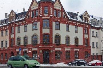 Das Foto zeigt einer Häuserecke im Bereich Äußere Reichenbacher Straße/Abzweig Virchowstraße.