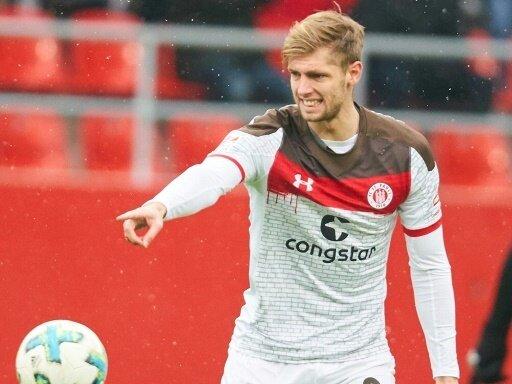 Abwehrspieler Lasse Sobiech unterschreibt beim 1.FC Köln