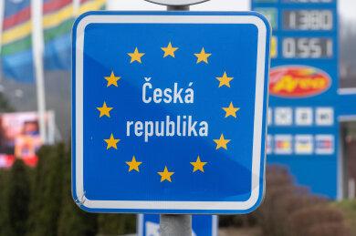 Tschechien schließt in der Nacht zum Samstag ab Mitternacht alle Grenzübergänge, darunter auch die im Vogtland. Der Ausnahmezustand gilt für 30 Tage.
