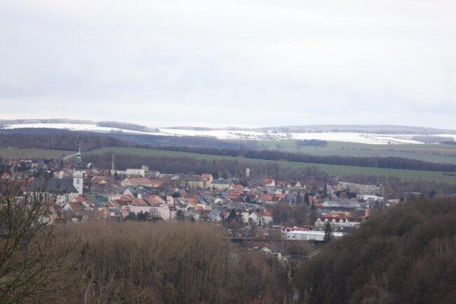 Bei einem Blick von Sachsenburg nach Altenhain sah man am Freitag deutlich die Schneescheide.
