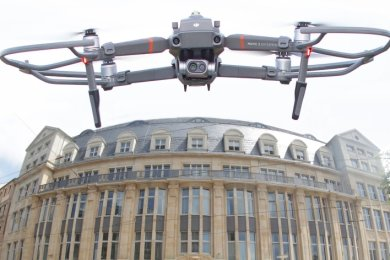 """Das Landratsamt plant den Kauf nicht irgendeiner Drohne wie dieser, sondern eines """"Premium-Copters"""" für rund 45.000 Euro."""