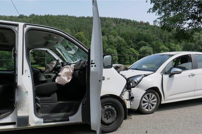 Bei dem Unfall in Wilkau-Haßlau waren sieben Menschen verletzt worden.