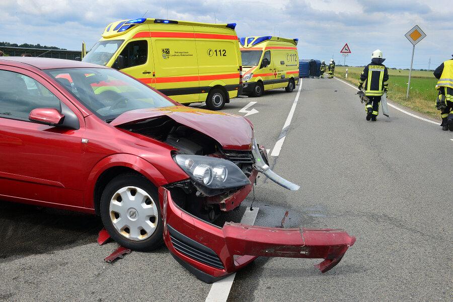 Vier Verletzte nach Zusammenstoß in Rossau