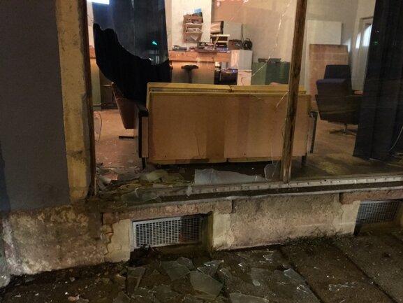 Die Chemnitzer Bar Lokomov wurde in der Nacht zu Dienstag erneut Ziel von einem Anschlag.