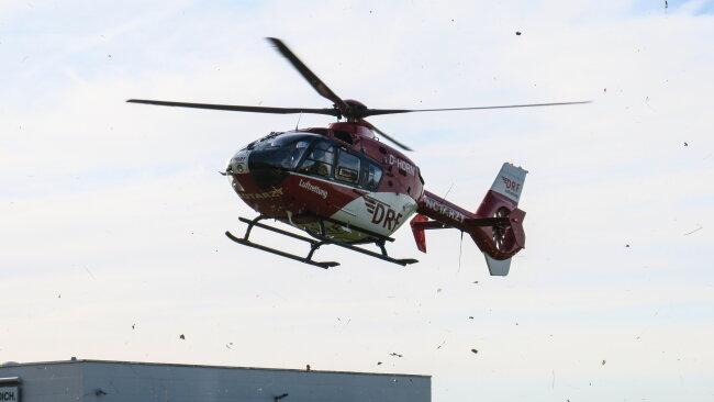 Der Fahrradfahrer wurde mit einem Rettungshubschrauber ins Krankenhaus geflogen.