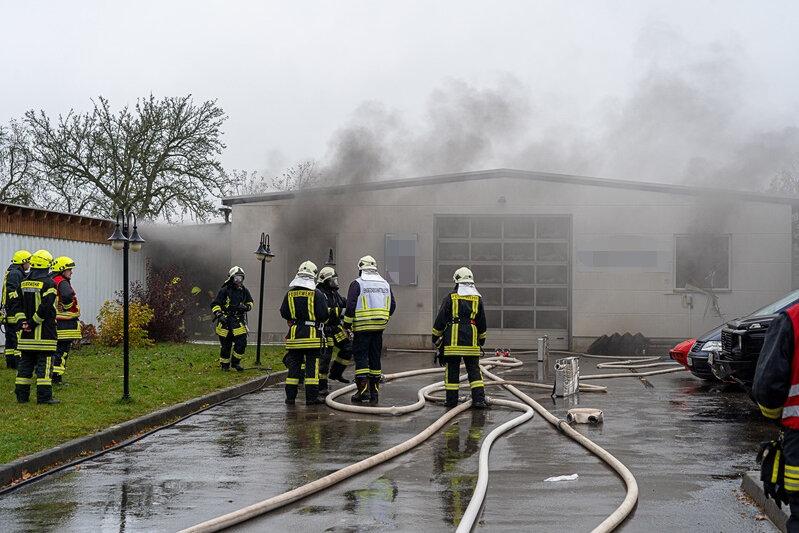 Brand in einer Kfz-Werkstatt