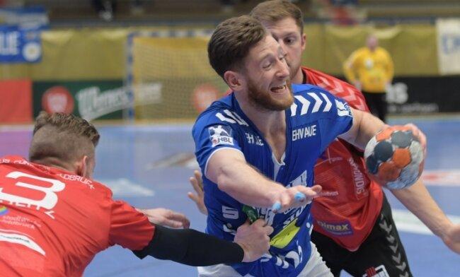 Aues Arnar Birkir Halfdansson zeigte viel Biss gegen Fürstenfeldbruck. Am Ende unterlag der EHV zuhause dennoch knapp.