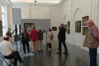 An einem langen Wochenende informierten sich Museumsexperten aus dem Partnerlandkreis Ludwigsburg über die Kultur in Westsachsen. Am Sonntag besuchten sie die Kunstsammlungen in Zwickau.