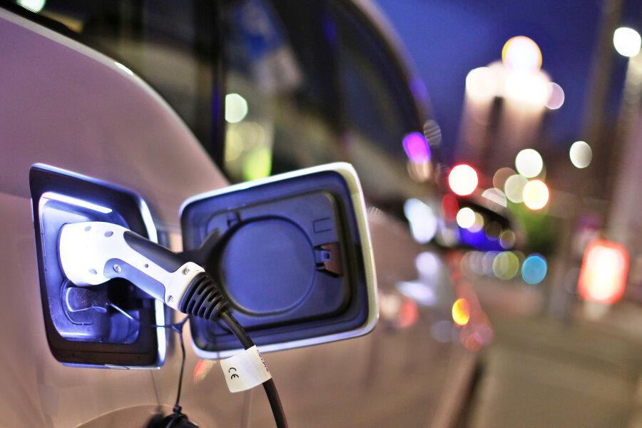 Trotz Prämie - Elektroautos bleiben ein Ladenhüter