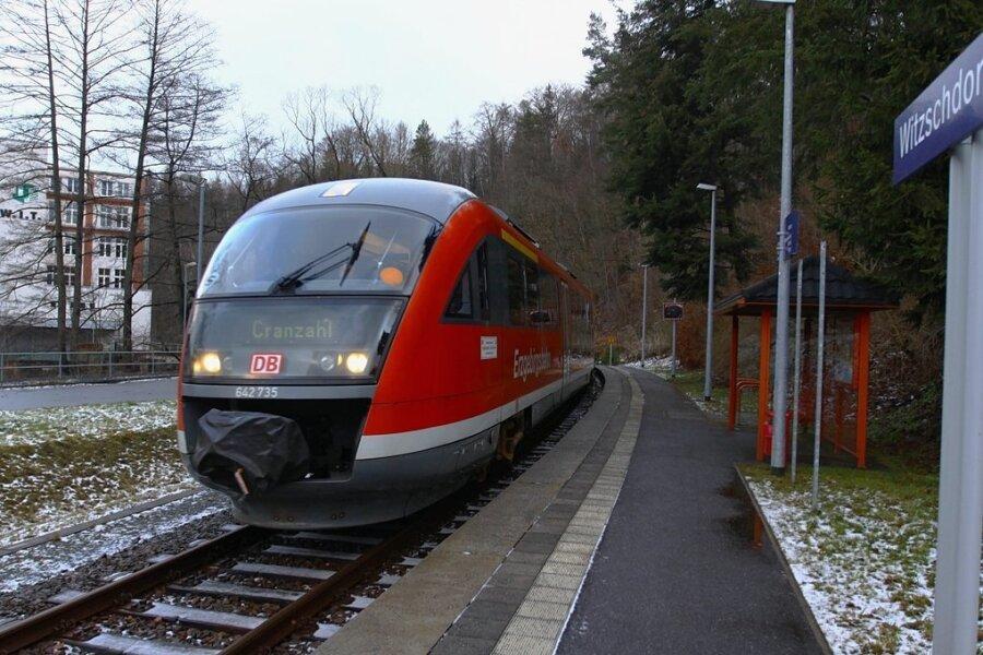 Wegen Gleisbauarbeiten kommt es auf der Strecke zwischen Chemnitz und Cranzahl ab Montag zu Einschränkungen für Reisende. Foto: Thomas Fritzsch/Archiv