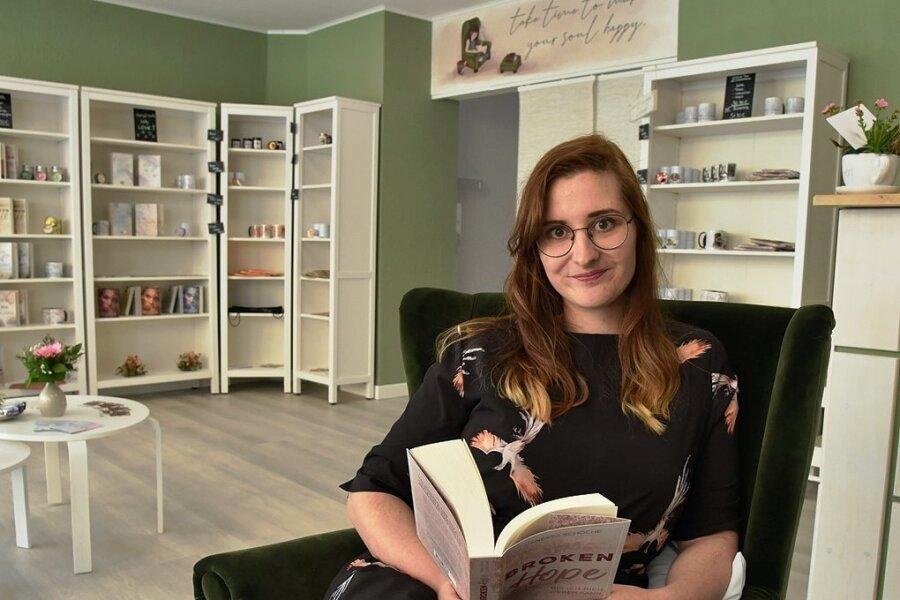 Vanessa Lipinski hat an der Gerichtsstraße 4 in Oelsnitz eine Bücherlounge eröffnet.