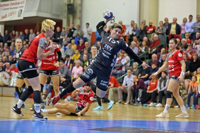 Die Handballerinnen des BSV Sachsen Zwickau haben am Samstag einen Heimsieg gegen TG Nürtingen gefeiert.