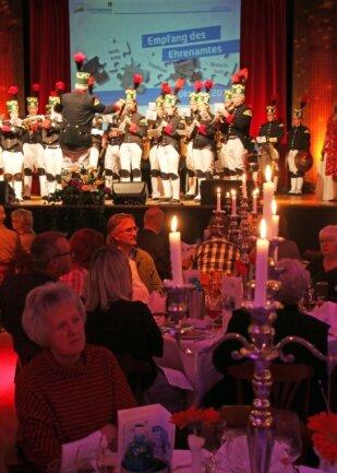 """Das Programm des Festempfangs eröffnete am Mittwochabend im Freiberger """"Tivoli"""" das Bergmusikkorps Saxonia."""