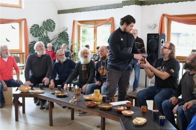 Im März dieses Jahres fand eine Probe im CVJM-Haus in Albernau statt. Da war man noch guter Dinge, dass das Passionsspiel zu Osten in Zschorlau stattfinden kann. Nun ist auch die Aufführung für kommendes Jahr abgesagt.