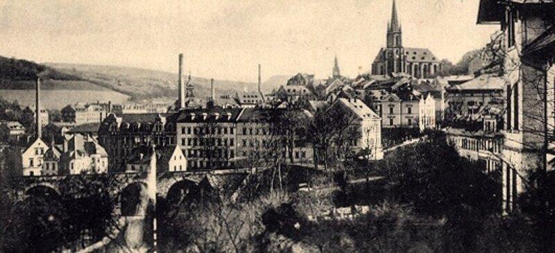 Eine Ansicht von Buchholz mit der Kartonagenfabrik des Johann Georg Adler.