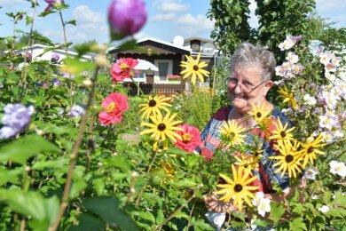 """Sieglinde Paust ist seit dem 11. Juli 2021 neue Vorsitzende des Gartenvereins """"Glück auf"""" in Brand-Erbisdorf."""