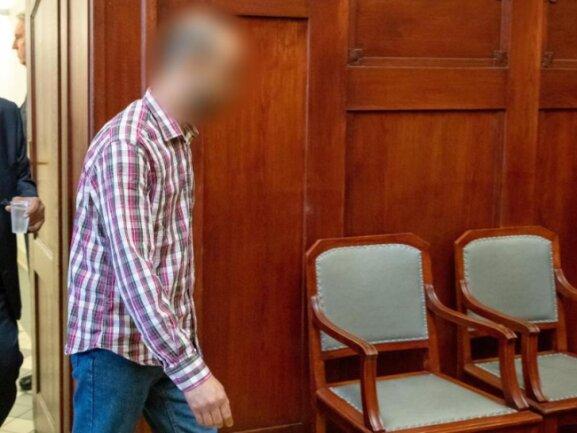Der wegen Mordes angeklagte Marokkaner zum Prozessbeginn im Landgericht Bayreuth.