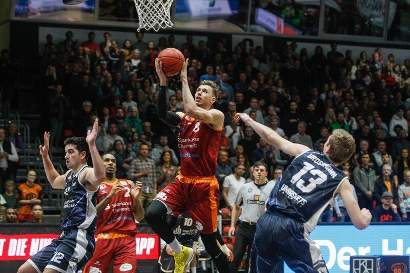 Basketball: Niners Chemnitz landen ungefährdeten Sieg über Paderborn