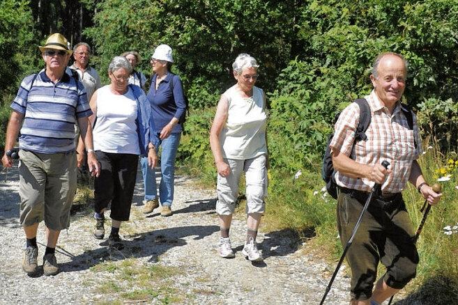 """696 Wanderer schnürten gestern bei der 33. Auflage der Triebeltalwanderung """"Rindimmedim im Triebel rim"""" die Schuhe."""