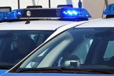 Am Donnerstagmorgen ist in Plauen ein Mann dabei gestellt worden, wie er gerade eine Wohnung durchsuchte.