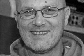 Bernd Prybusch, Frontmann der Band Saitensprung, ist im Januar im Alter von 57 Jahren überraschend gestorben.