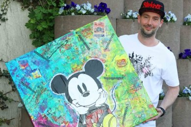 Nico Blasche aus Meerane zeigt an einem Ort seiner Jugend eine Collage mit Anleihen aus der Pop-Art.