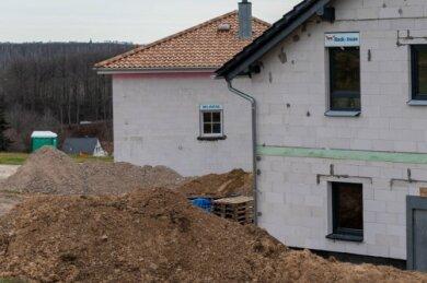 Auf dem Weinberg in Rochlitz herrscht reges Bautreiben.