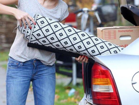Ob Kiste, Stuhl oder Teppich: Die eingeladenen Sachen müssen im Auto gut gesichert werden.