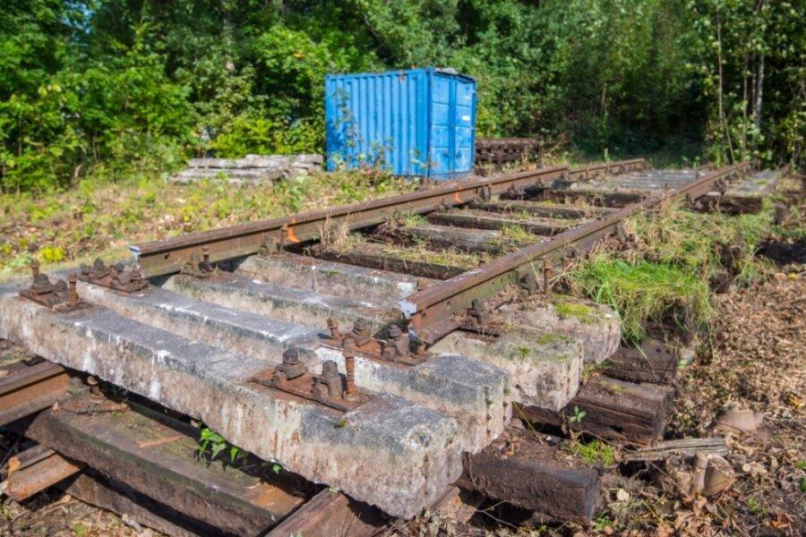 Alte Eisenbahnschienen zwischen Lugau und Oelsnitz werden entfernt