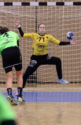Nicht nur die Berliner Nummer 4 Vesna Tonic verzweifelte in der Schlussphase an BSV-Torhüterin Ela Szott. Auch die anderen Füchse-Spielerinnen konnten die 23-Jährige kaum mehr überwinden.