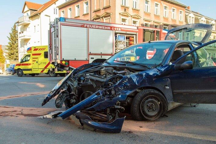 Freiberg: Mehrere Verletzte bei Kollision zweier Pkw
