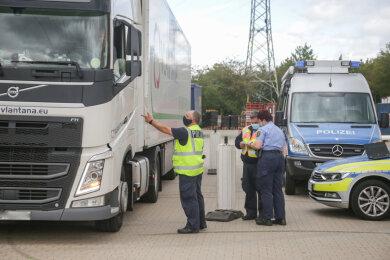 Die Polizei stellte bei der Kontrolle zahlreiche Verstöße fest.