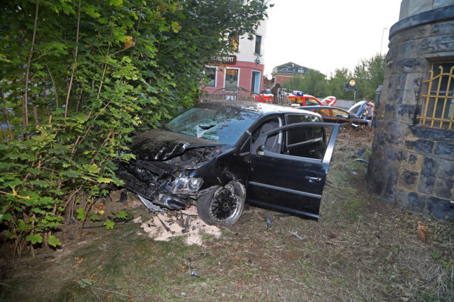 Kurz vor 18 Uhr hatte sich ein Unfall auf der Kreuzung Schubertstraße/Lungwitzer Straße ereignet.