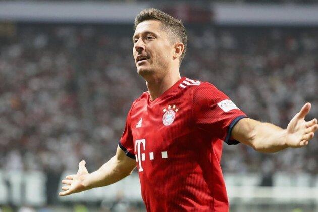 Will eigentlich weg, muss aber bleiben: Tormaschine Robert Lewandowski. Der aktuelle Vertrag des Polen beim FC Bayern läuft noch bis 2021, in dieser Saison traf der Bundesligaschützenkönig der Vorsaison in zwei Pflichtspielen der Münchner schon wieder viermal ins Tor.
