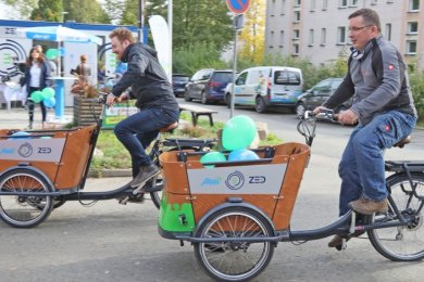 Diese beiden Elektro-Lastenfahrräder können seit Dienstag kostenlos in der Zwickauer Mobilitätsstation in Marienthal ausgeliehen werden.