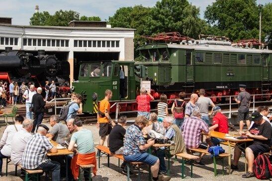 Das Bahnbetriebswerk in Glauchau war am Samstagnachmittag gut besucht.