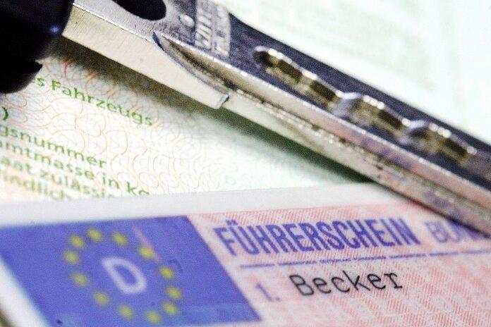 Viele Mittelsachsen wollen ihre Führerscheine vorzeitig tauschen - Behörde blockt ab
