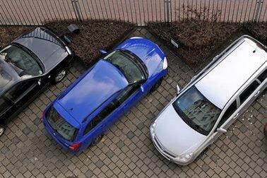 Wenig Hoffnung für Pendler auf mehr Parkplätze an Autobahnen