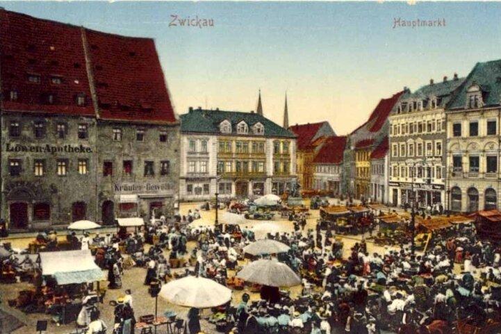 Historische Postkarte: Blick über den Hauptmarkt zum Stadthaus III.