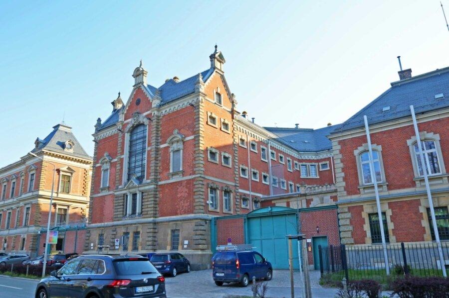 Im Zwickauer Gefängnis werden derzeit Plätze freigehalten.