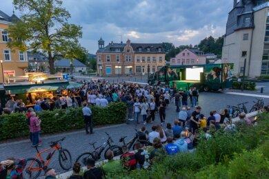 Public Viewing auf dem Rodewischer Postplatz