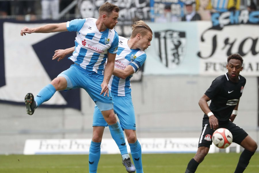 Tobias Müller (links) und Dennis Grote in Aktion.