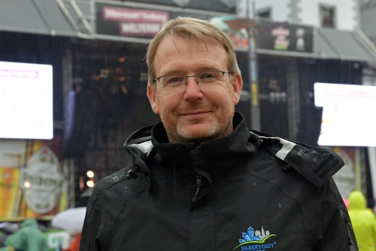 Freibergs Oberbürgermeister Sven Krüger möchte den Bürgern der Stadt etwas Normalität verschaffen.