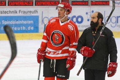 Sie haben im Training oft kommuniziert: Neuzugang Daniel Weiß und Coach Mario Richer.Foto: Andreas Kretschel