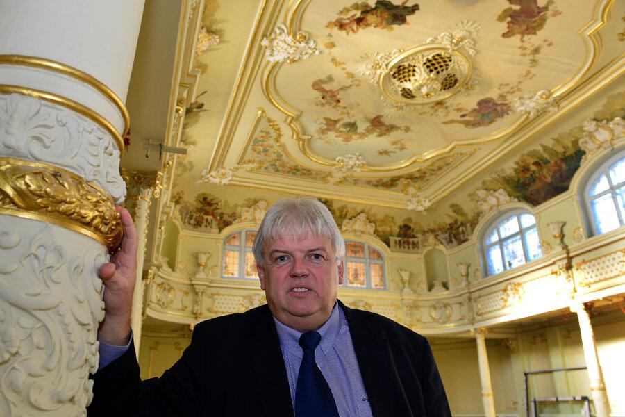"""Der Höhepunkt des Jahrs soll die Einweihung des Neorokoko-Saals """"Goldener Löwe"""" am 11. September werden. Hainichen wird dann Große Kreisstadt, Dieter Greysinger (hier im Bild) Oberbürgermeister."""
